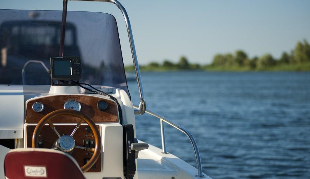 Essential Summer Boating Tips Image